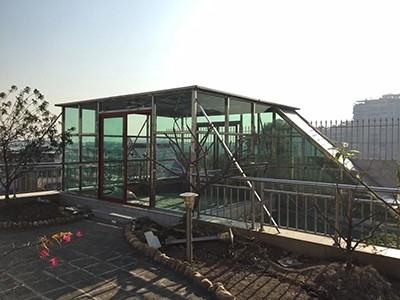 楼顶玻璃阳光房建造